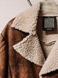 Ručně šitá bunda z jehněčí kůže