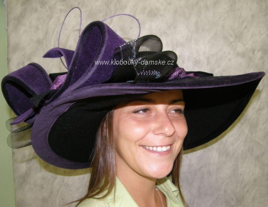 Extravagantní klobouk č.4405