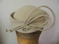 filcový klobouček č.7107