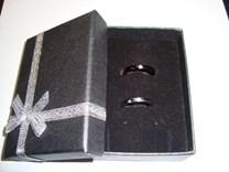 NOVÝ set elegantních prstýnků z titanu pro něho a pro ni