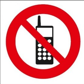 APLI zákaz vstupu s telefonem      00848