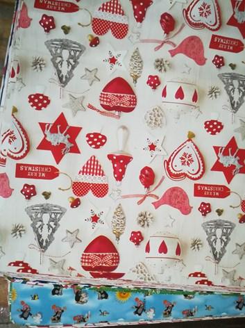 Balicí papír vánoční na váhu