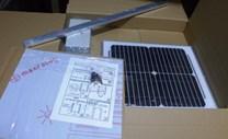 Automatický naviják pro dvířka kurníku se solárním panelem