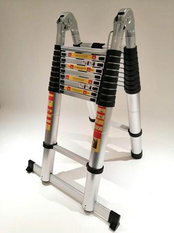 Teleskopické  hliníkové štafle/ žebřík RONO  4 + 4m  / 8m