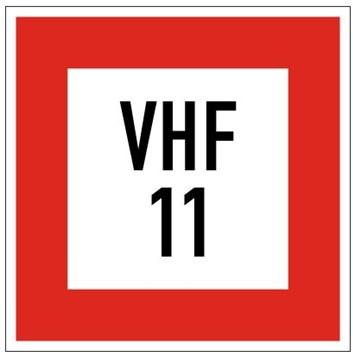 Plavební znak B11b - Příkaz uvést do provozu radiofonní stanici na vyznačeném kanálu