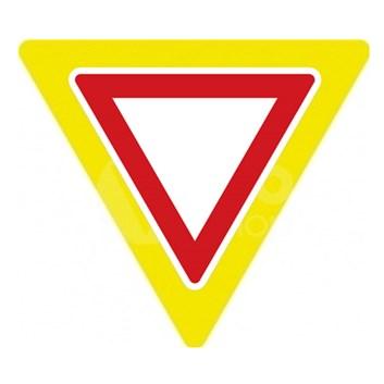 Dopravní značka P4 - Dej přednost v jízdě, zvýrazněná
