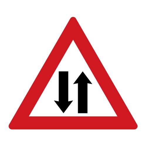Dopravní značka - Provoz v obou směrech