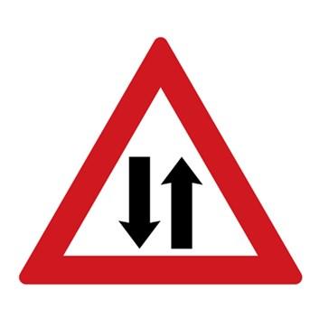 Dopravní značka A9 - Provoz v obou směrech