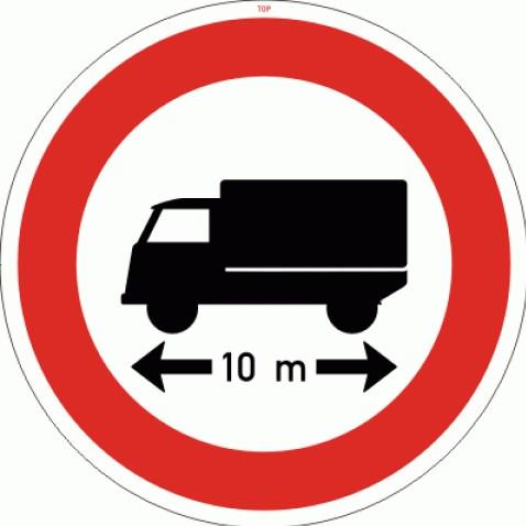 Dopravní značka - Zákaz vjezdu voz.,jejichž délka přesahuje vyznačenou mez