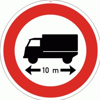 Dopravní značka B17 - Zákaz vjezdu voz., jejichž délka přesahuje vyznačenou mez