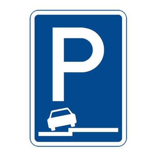Dopravní značka - Parkoviště (částečné stání na chodníku podélné), 500 x 700mm