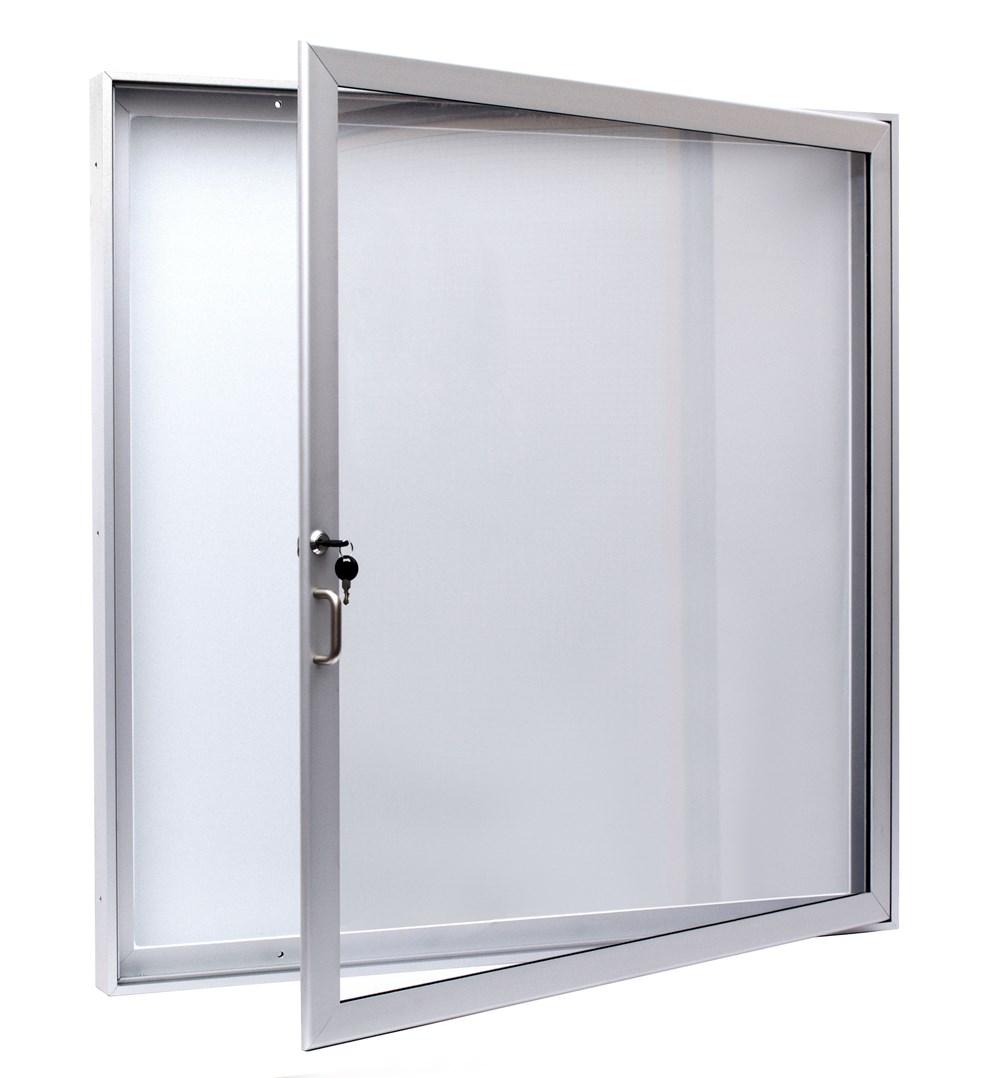 L60-12 otevřená bez loga (4574).jpg