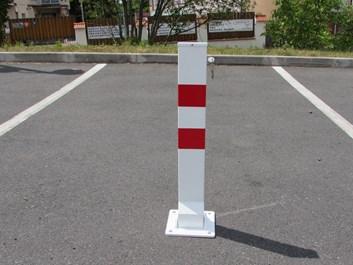 Sklopný parkovací sloupek Íčko - komaxit
