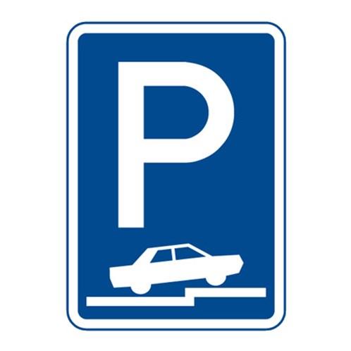 Dopravní značka - Parkoviště (částečné stání na chodníku kolmé nebo šikmé), 500 x 700mm