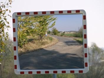 Nerozbitné dopravní zrcadlo