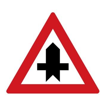 Dopravní značka P1 - Křižovatka s vedlejší pozemní komunikací
