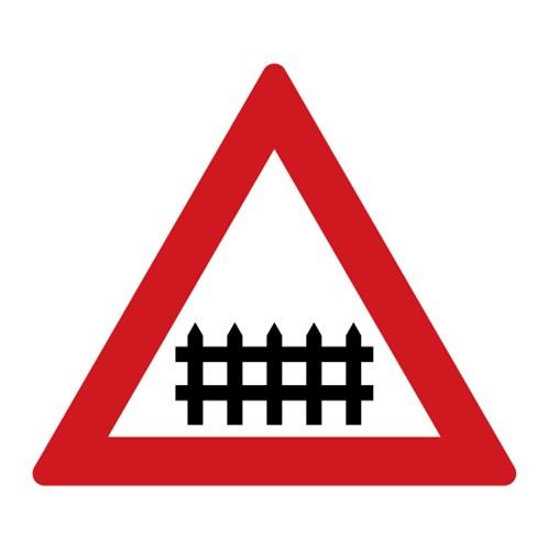 Dopravní značka - Železniční přejezd se závorami