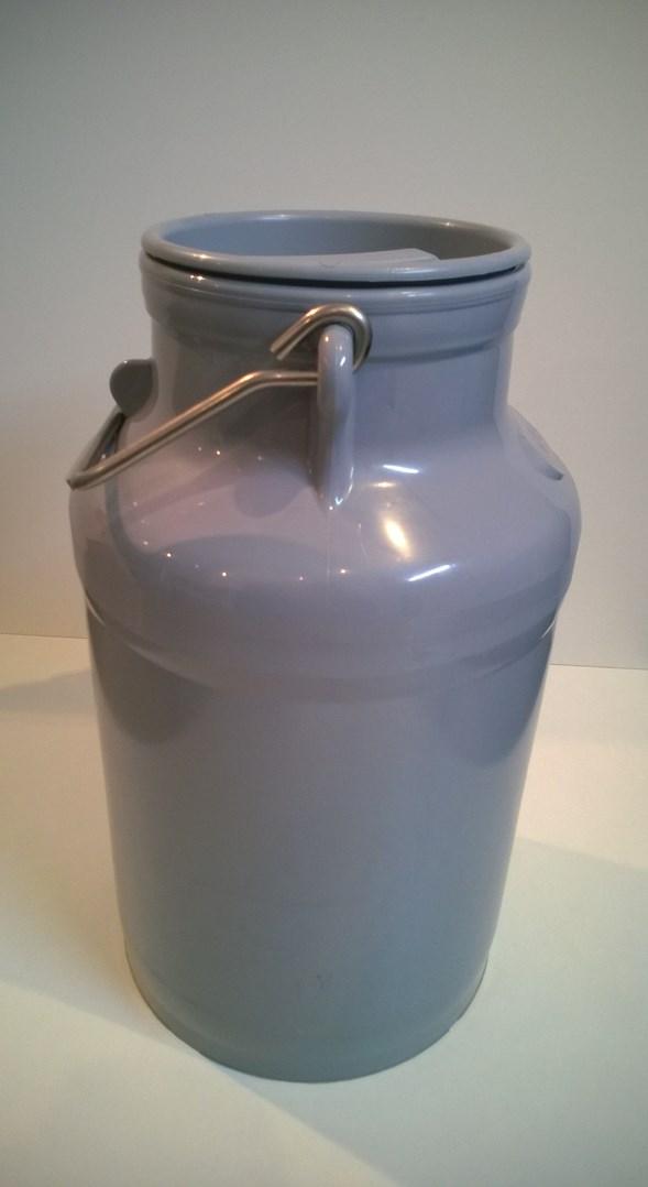 Konev na mléko , plastová 20 L