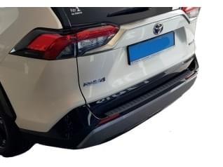Ochranné kryty a lišty na zadní nárazník auta