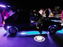 Svítící LED logo projektor ŠKODA ze dveří na silnici sada