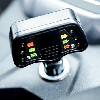 Tester na autobaterie s diodami do autozásuvky 12V Germany