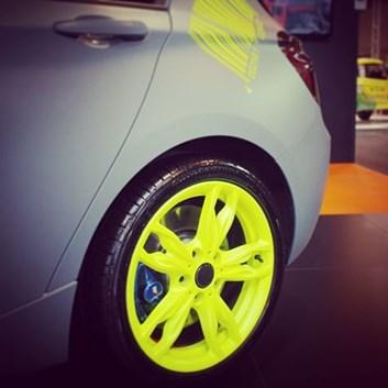 Foliatec stříkaná fólie ve spreji neonová žlutá