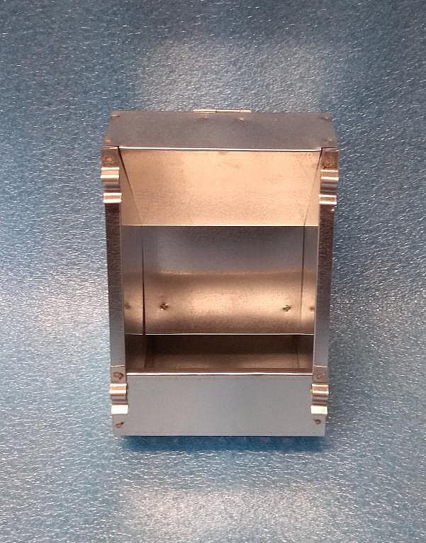 Zásobník k venkovnímu zavěšení 14 cm jednokomorový
