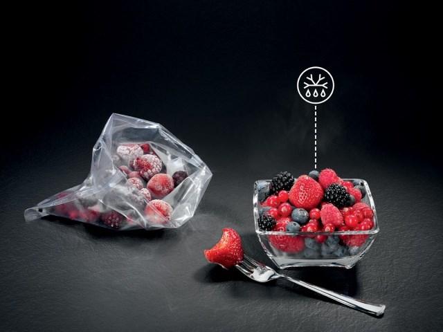 AEG-rozmrazení potravin v kompaktní troubě.jpg