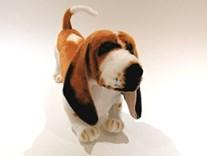 Plyšový pes Basset