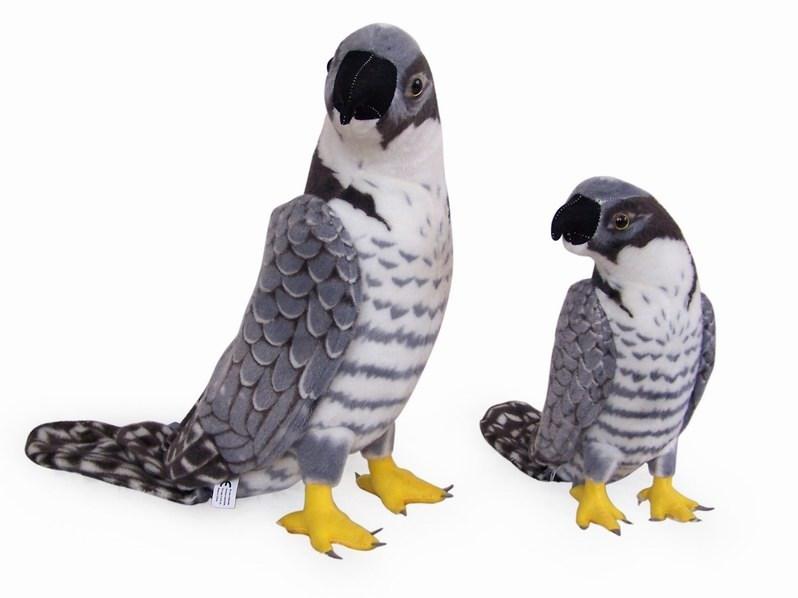 Plyšový šedý sokol