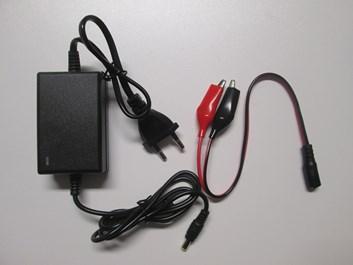 Nabíječka gelových baterií 12V ( 1,3 - 40Ah) s kontrolkou nabíjení