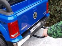 Dětské el. autíčko Volkswagen Amarok 4x4 náhon všech kol, 2,4G DO - VWAmaroklak.black