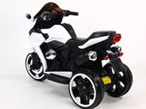 Motorka - Tricykl Dragon s mohutnými výfuky,motory 2x12V,digiplayer USB,Mp3,voltmetr,LED osvětlení BÍLÁ