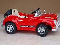 Luxusní sportovní elektrické autíčko - retro