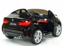 BMW X6M dvoumístné s 2,4G DO, el. brzdou, EVA koly, otvíracími dveřmi, USB, Mp3, voltmetrem, 55cm čalouněnou sedačkou JJ2168L černá