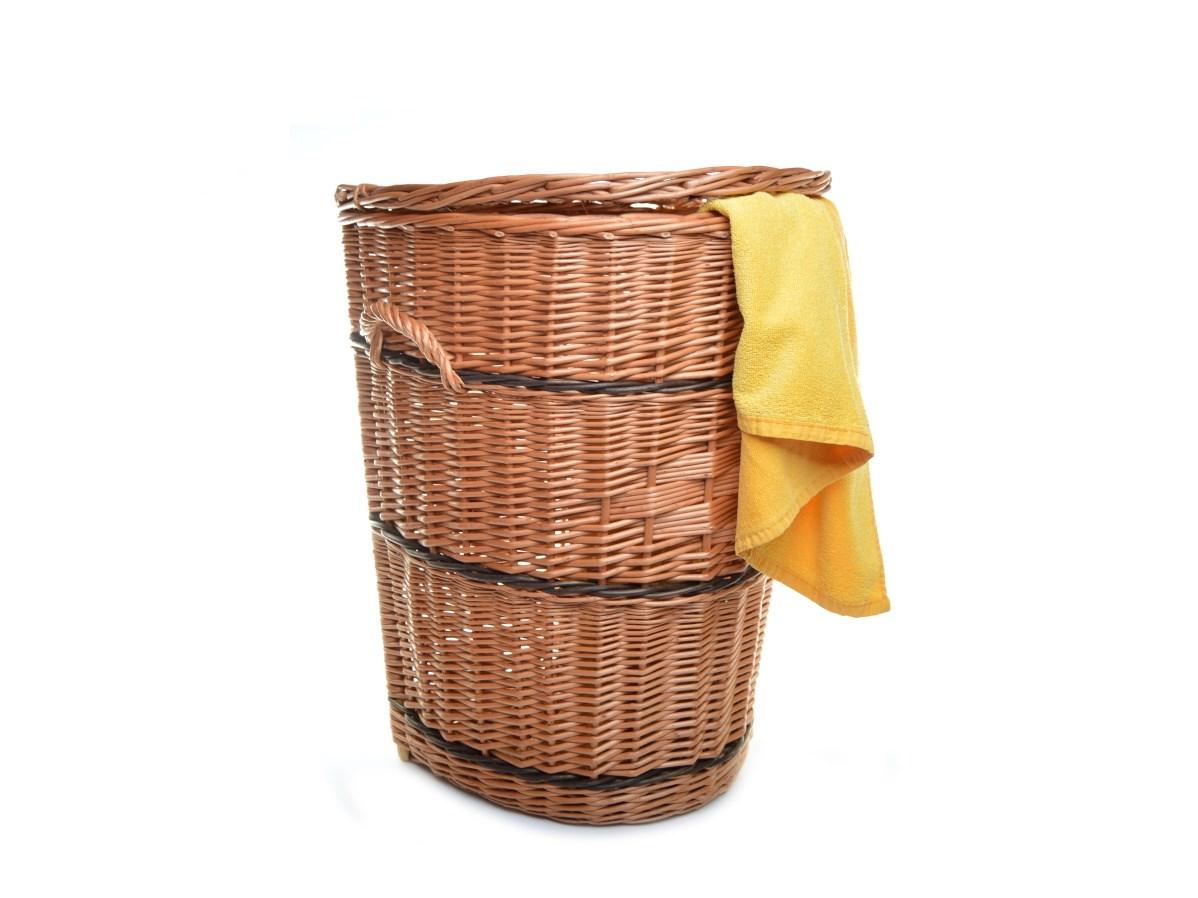 Proutěný koš na prádlo ke zdi