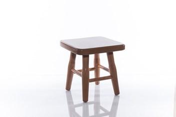 Dřevěná stolička čtvercová malá