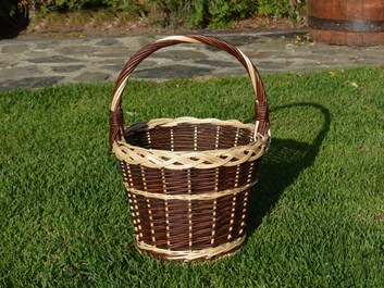 Proutěný košík na ovoce z neloupaného proutí