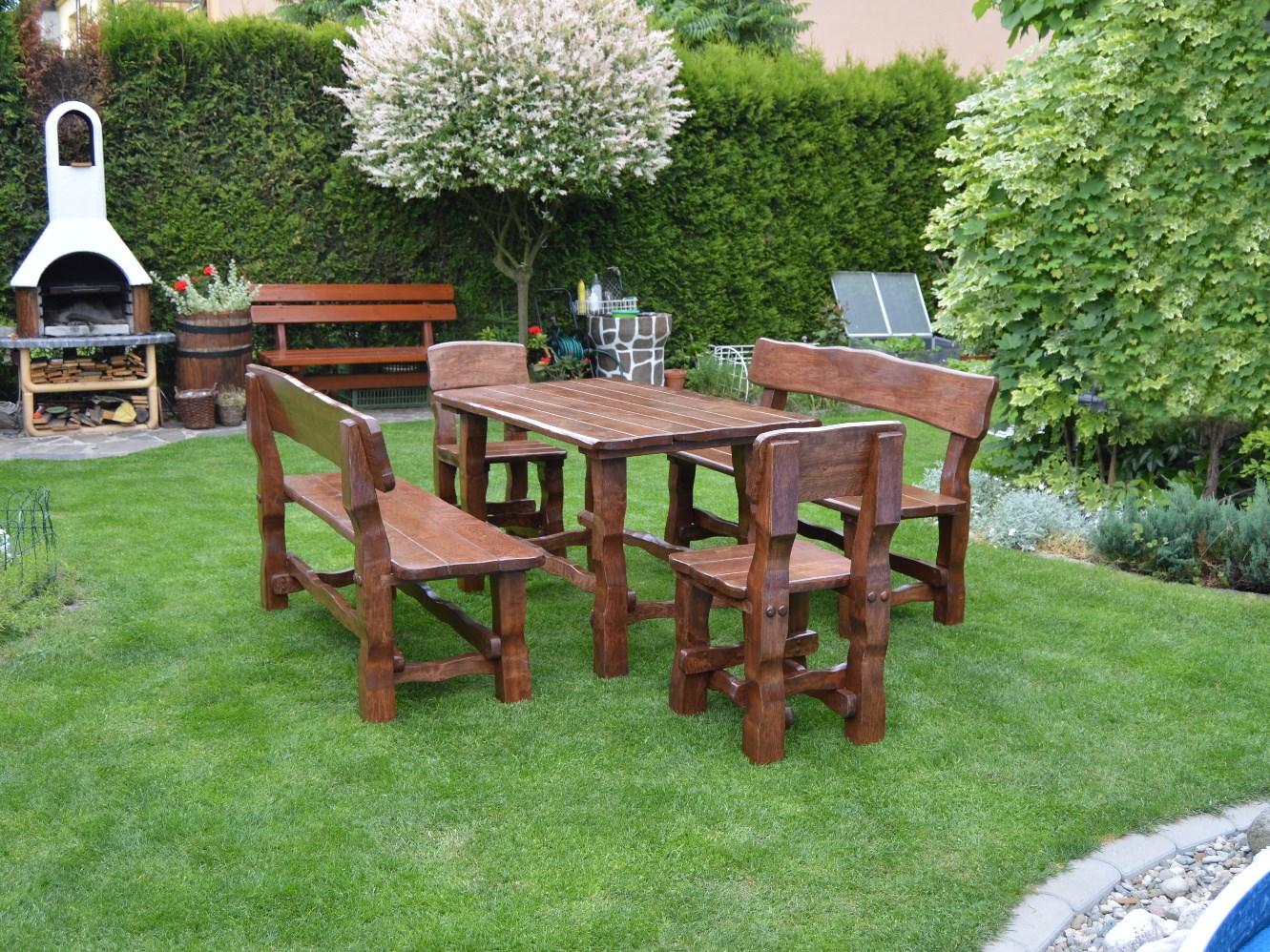 Dřevěný zahradní nábytek Ořech
