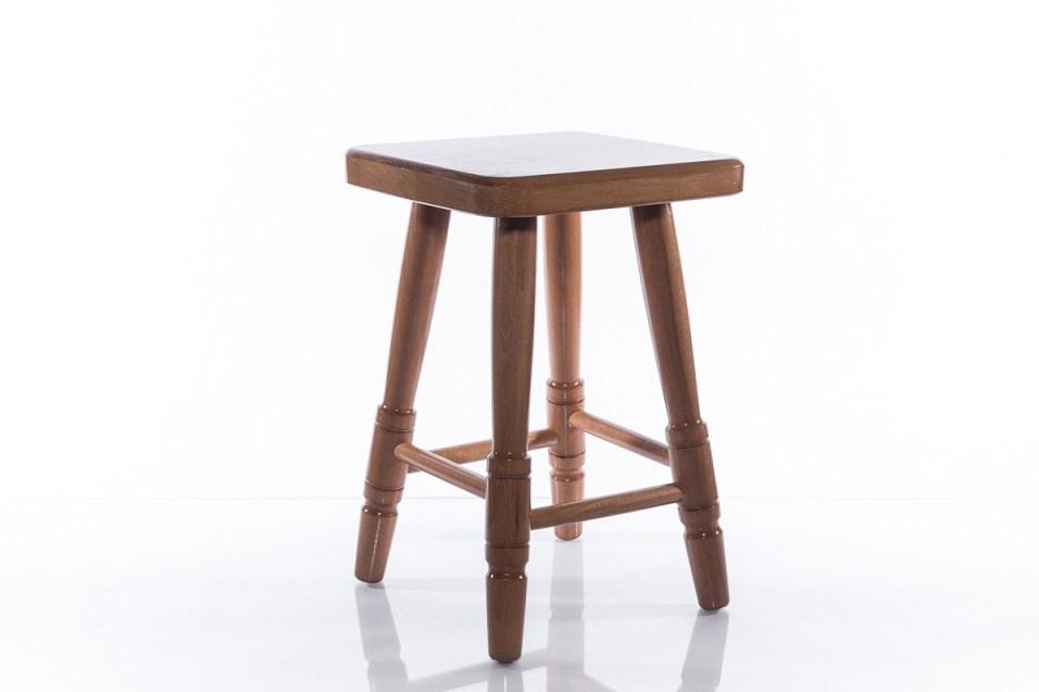 Dřevěná stolička čtvercová střední