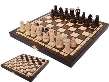 Dřevěné šachy s dámou