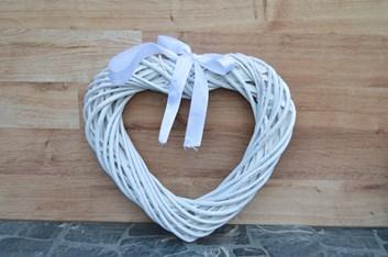 Věnec z proutí ve tvaru srdce - bílý 24 x 26 x 5 cm