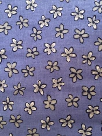 Plátno s kvítky- modré plátno s kytičkami- metráž à 10 cm
