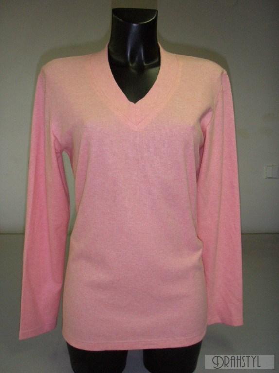 Růžové tričko s véčkem