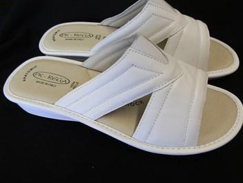 Zdravotní pantofle  PK-REGA 39,40,41 bílé