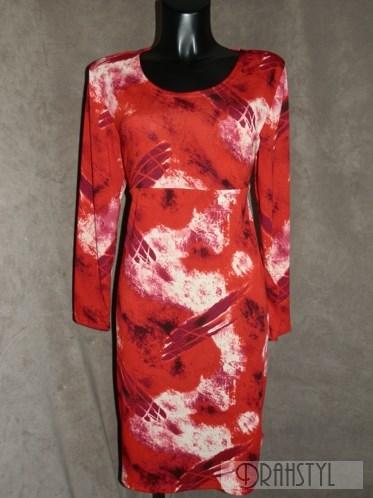 Dámské červené svetříkové šaty  s dlouhým rukávem.