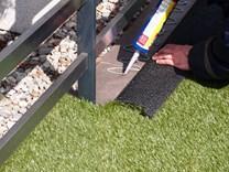 lepení umělého trávníku lepidlem_2.jpg
