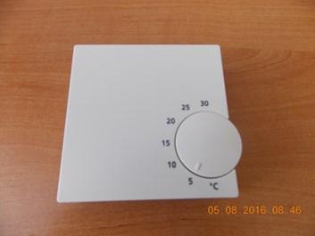 Elektronický pokojový termostat Salus RT10