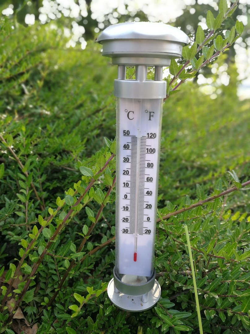 Svítidlo HL0780110001 zahradní solární s teploměrem 0,06W LED
