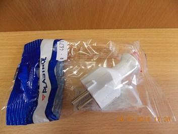 Vidlice 230V/16A, bílá, přímý vývod